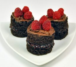 Raspberry-Chocolate-Cake_large